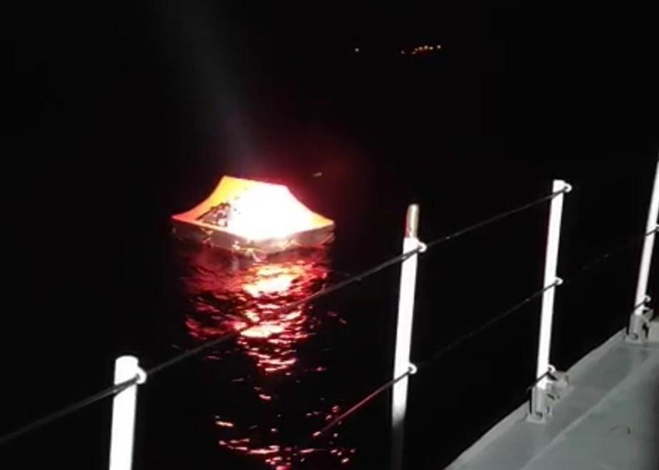 Çanakkale açıklarında 13 düzensiz göçmen kurtarıldı