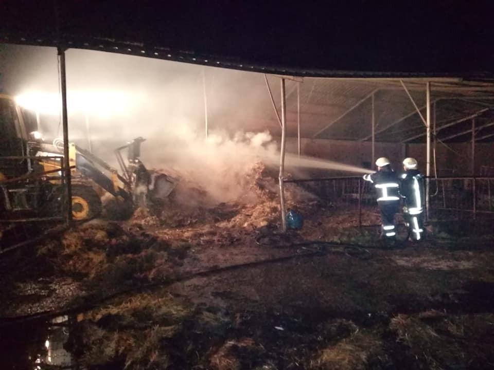 Biga'da 3 bin adet saman balyası yanarak kül oldu