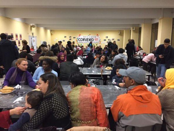 Cena navideña solidaria en los Comedores Universitarios | Canal UGR