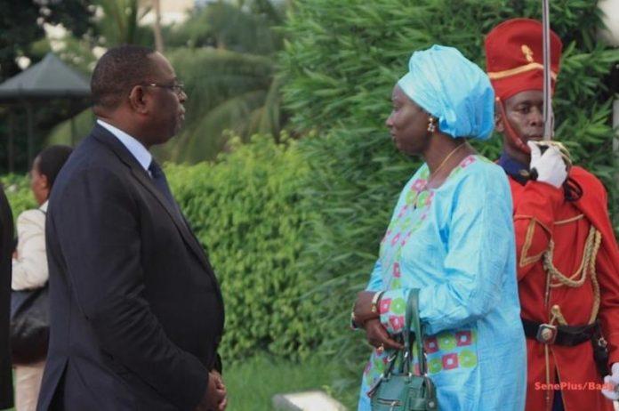 Mimi touré et Macky Sall au palais