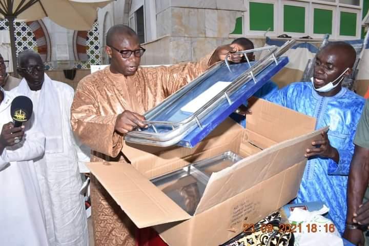 Le Pr Daouda Ndiaye équipe l'infirmerie de la Grande mosquée de Touba