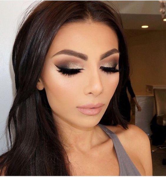 Tutorial de maquillaje de noche para vestido negro