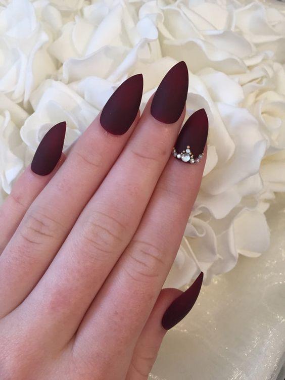 decoración de uñas con piedras 7