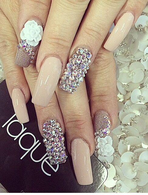 decoración de uñas con piedras 8