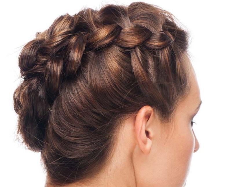 Peinados Ondulados Con Trenzas De Lado Peinados Populares En Espana