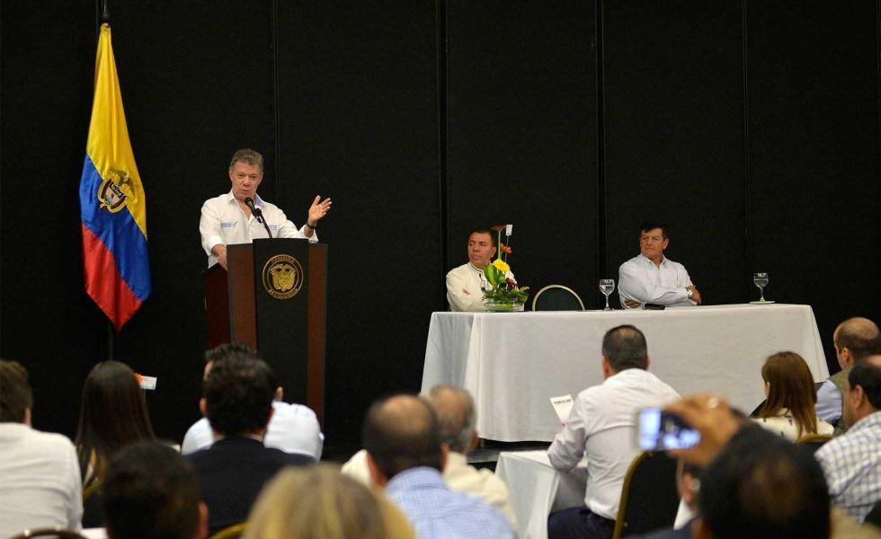 9212725Juan Manuel Santos-Asamblea-Evangelica-Pereira
