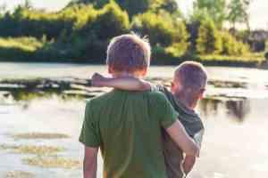 comportamiento entre hermanos diferente