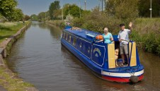 Friendly couple in nb Dreaming leaving Lock 69 heading for Middlewich.