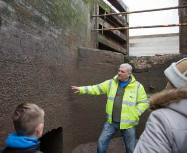 Ian explained that when drained the walls were layered with mud which when removed surprisingly left the remains of insect larvae.