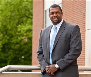 Dr Shaun Nelms