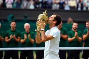 Federer besa su octavo título en Wimbledon