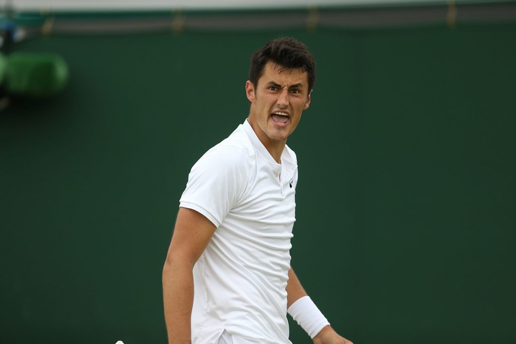 Bernard Tomic se queja en Wimbledon