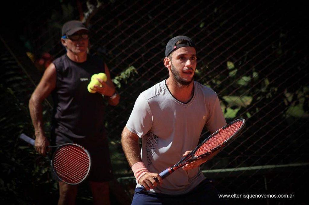 Santiago Besada jugando un partido