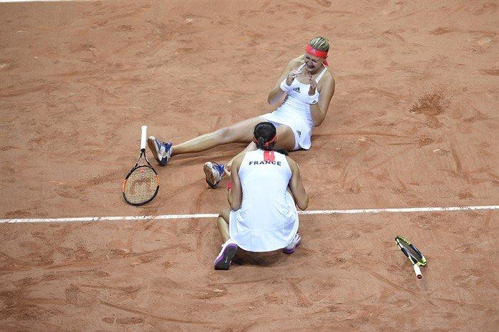 Mladenovic y Garcia celebran un triunfo en la Fed Cup con Francia