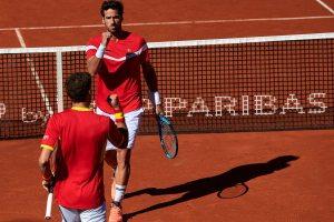 Feliciano López y Carreño celebran un punto con España en la Copa Davis