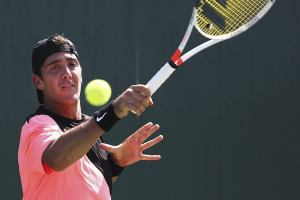 Kokkinakis golpea una derecha en el Miami Open