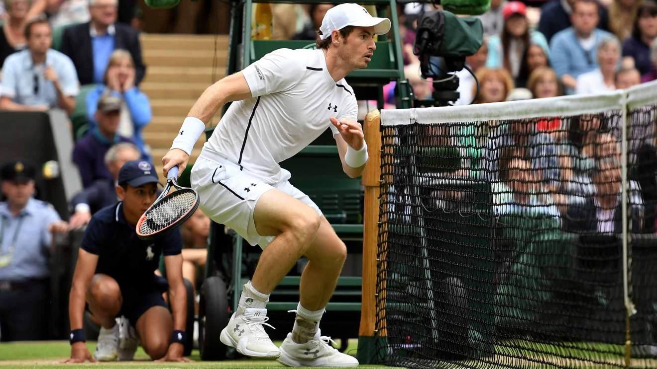 Murray disputando el partido en Wimbledon