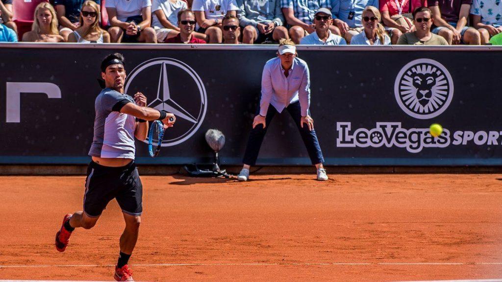 Fognini golpea una derecha en el ATP 250 de Bastad