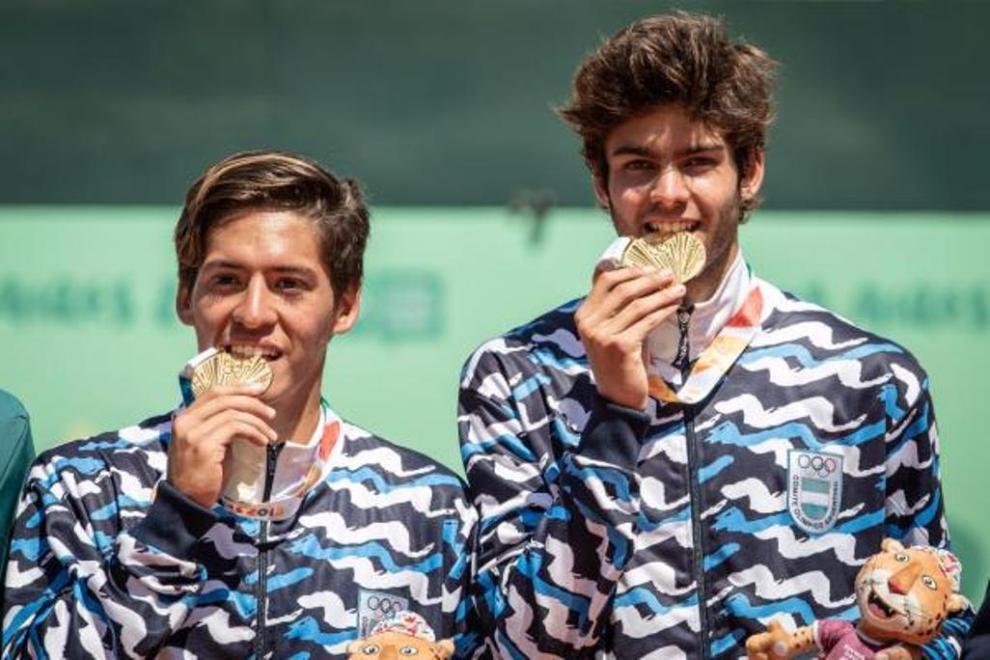 Sebastián Báez y Facundo Díaz Acosta disfrutan del Oro Olímpico en Buenos Aires 2018 | Foto: Sergio Llamera / Prensa ITF