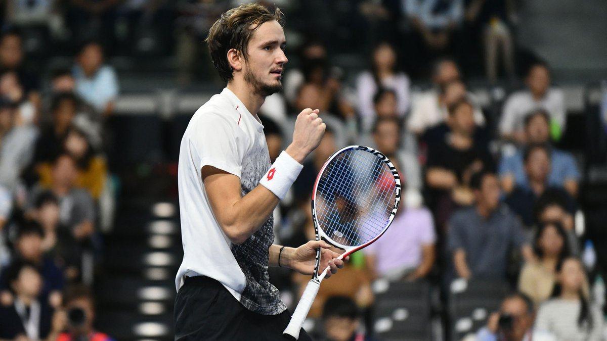 Medvedev celebra el triunfo en el ATP de Tokyo