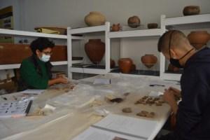 El Museo Arqueológico de Fuerteventura trabaja en el inventariado de fondos arqueológicos de la Cueva de Villaverde
