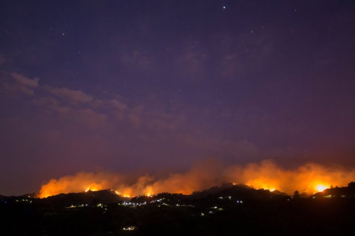 Incendio forestal desde Moya