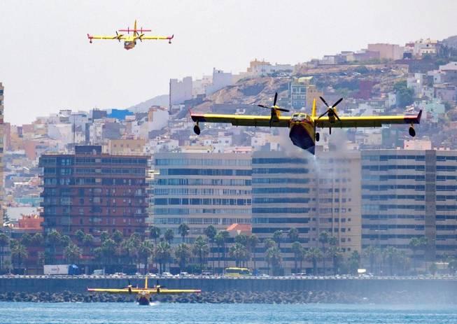 Tres de los 4 hidroaviones en Incendio Gran Canaria