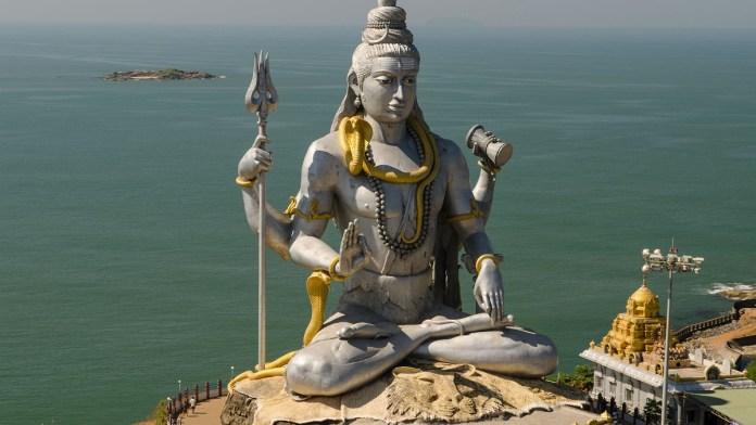 Shiva Estatua Grande en Rishikesh