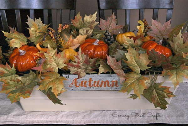 Easy 15 minute fall centerpiece! {Canary Street Crafts}