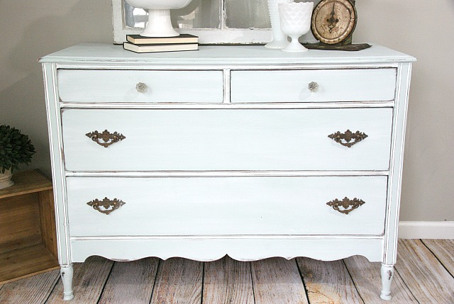 Farmhouse style dresser makeover. Painted with a custom color Annie Sloan chalk paint mix. http://canarystreetcrafts.com/