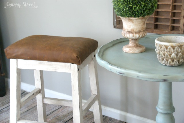 Easy Farmhouse Stool Makeover. http://canarystreetcrafts.com/