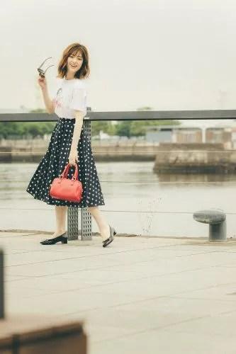 上品なドット柄スカートをキャラTで今っぽく♡