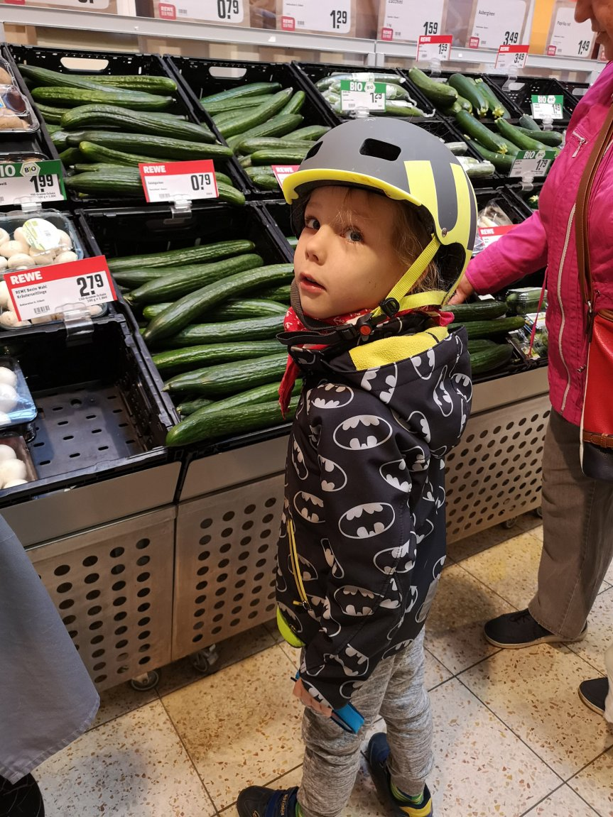 Unser Einkaufprojekt; die Kinder kaufen ein, ich zahle