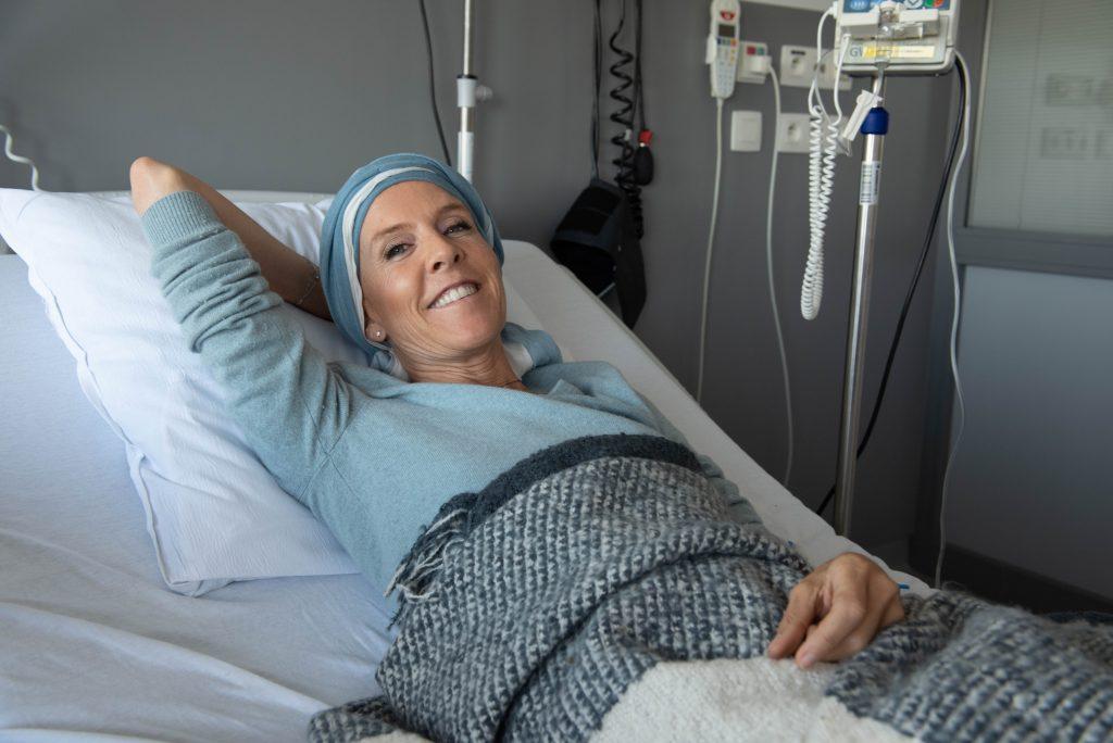 Delphine Remy à l'hôpital pour sa chimiothérapie