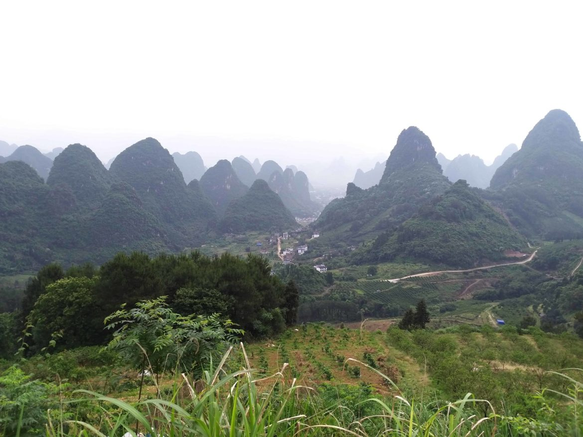 Karst mountains between Guilin and Yangshuo