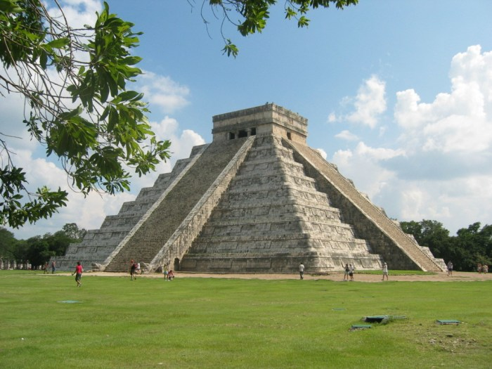 book a private transportation tour to Chichen itza from Cancun