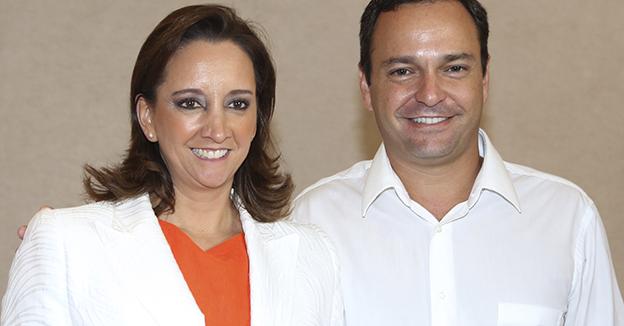 Paul Carrillo y claudia ruiz masseu
