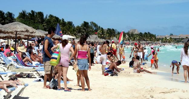 turistas-en-cancun