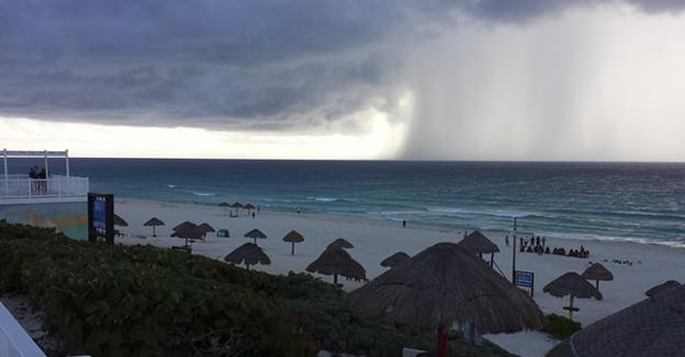 lluvia cancun