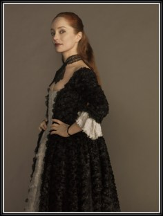 Lotte Verbeek as Geillis Duncan