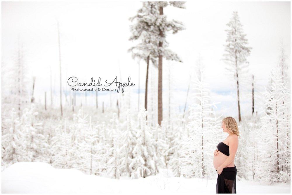 Kelowna_Baby_Bump_Photographers_Winter_TA_0001