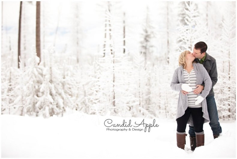 Kelowna_Baby_Bump_Photographers_Winter_TA_0012