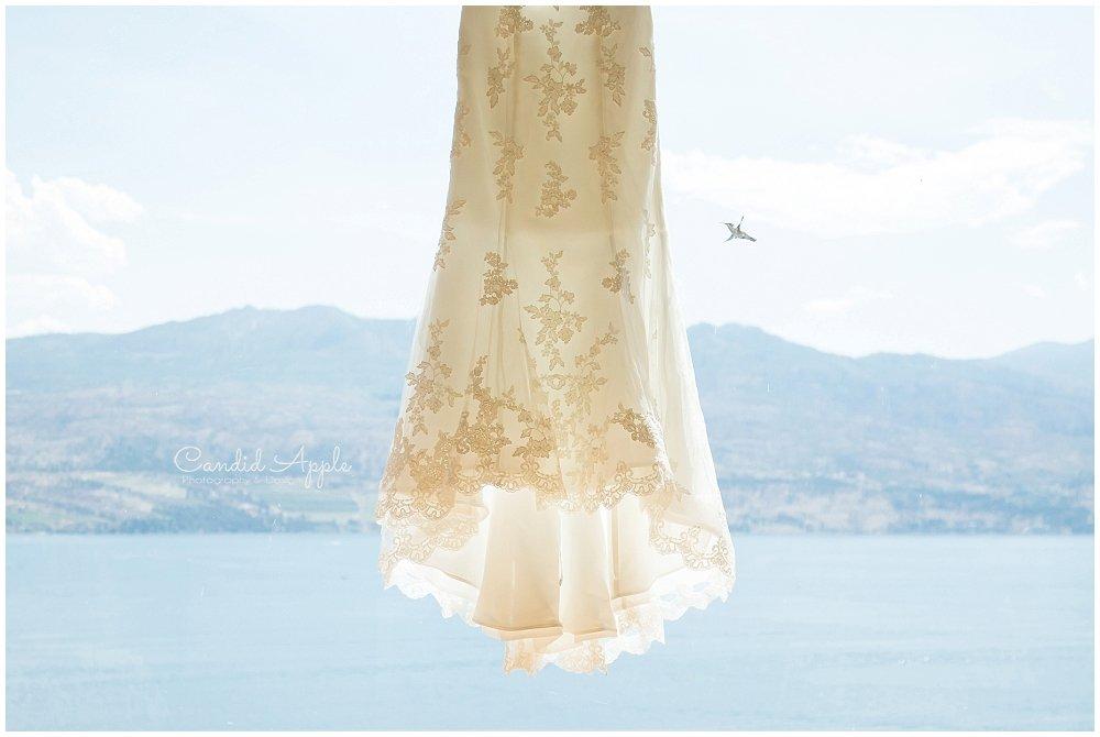 Sanctuary_Garden_West_Kelowna_Candid_Apple_Wedding_Photography_0002