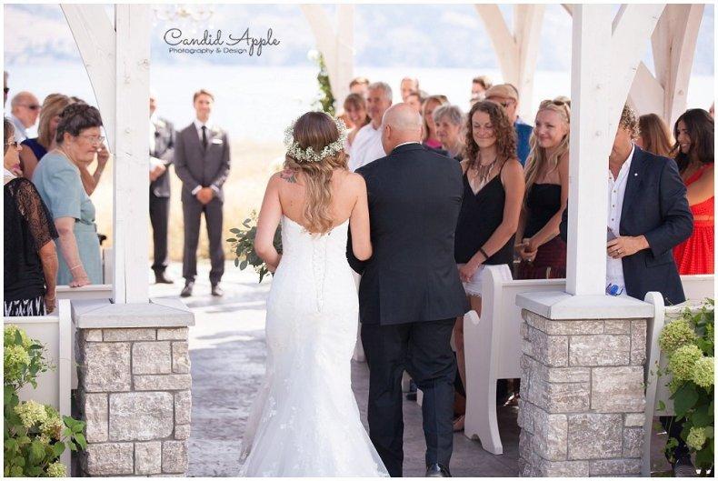 Sanctuary_Garden_West_Kelowna_Candid_Apple_Wedding_Photography_0024
