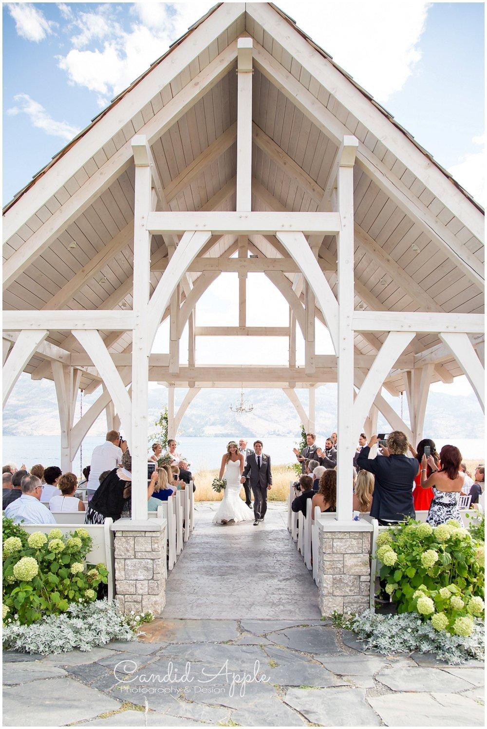 Sanctuary_Garden_West_Kelowna_Candid_Apple_Wedding_Photography_0044
