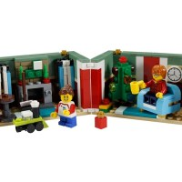 40292 - Christmas Gift revealed and now reviewed by Lunarbricks