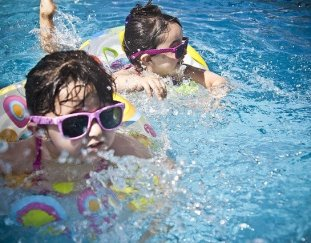 4-ways-to-keep-the-kids-entertained-during-the-hot-summer-months