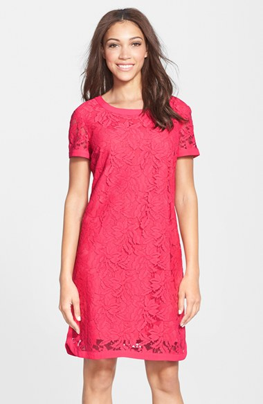 Donna Morgan Lace Short Sleeve Shift Dress in Geranium