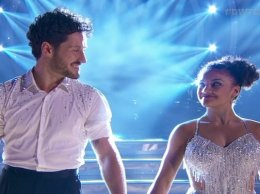 Watch Rio Olympics Summer Games gold medalist Ms. Laurie Hernandez of the Final Five and her partner Val Chmerkovskiy wow the judges, the audience and all of us at home with their cha cha! Loved their performance and love getting to see one of my Team USA favorites perform!