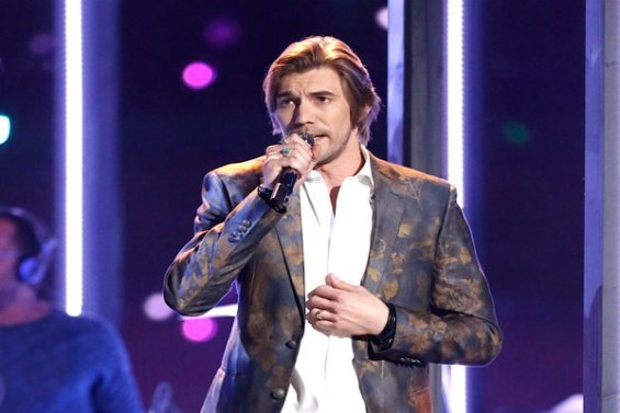 "Watch The Voice Season 11 Episode 21 Live Top 10 Performances Videos: Talented country singer Austin Allsup of Team Blake Shelton sets his sights on the semifinals with a performance of ""Missing You"" by John Waite."
